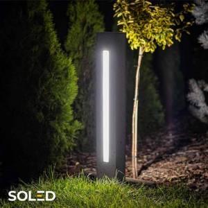 Z betonową lampa LED postawisz na nowoczesny sposób oświetlenia w swoim ogrodzie! Surowy beton wykonany z wysokiej jakości kruszywa w otoczeniu zieleni stworzy wyjątkową aranżację.  Oświetl swoją ścieżkę ogrodową i nie martw się o potknięcia czy poobijane nogi! Pokaż sąsiadom, jak wygląda pięknie oświetlony ogród!  Do wyboru lampy w wysokości 50 cm oraz 70 cm. 👇  #lampa #soled #ogrod #lampaled #oswietlenie #betonowalampa #led