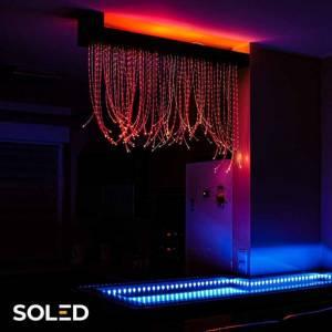 Dzięki kurtynie świetlnej LED uzyskasz efektowną ścianę światła, która zachwyci każdego!  Energooszczędny generator światła LED RGB umożliwi sterowanie barwami oświetlenia za pomocą pilota.  Dodatkowo kurtyna jest tworzona specjalnie dla Ciebie, według podanych wymiarów i preferencji!   Czy wiedziałeś, że światło i jego bogata kolorystyka ma leczniczy wpływ na organizm człowieka? Każdy z kolorów posiada swoje specyficzne właściwości jest to tzn. chromoterapia, która często wykorzystywana jest w szkołach i przedszkolach.  Wybierz swoją kurtynę świetlną👇  #soled #kurtynaswietlna #oswietlenie #led #energooszczedne #oswietlenieledowe #sklep